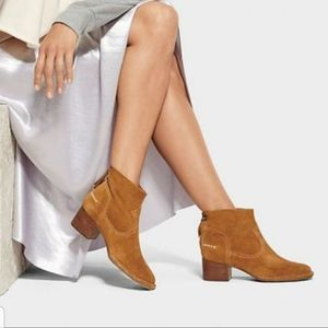 Ugg Bandera Suede Ankle Boots